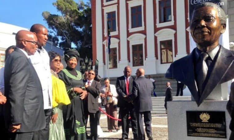 Mandela bust unveiled at parliament
