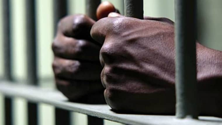 Zimbabwe prisoners forced to go naked