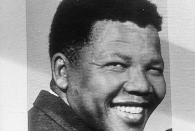 South Africa: Photographer demands his photo of Mandela back from UCT