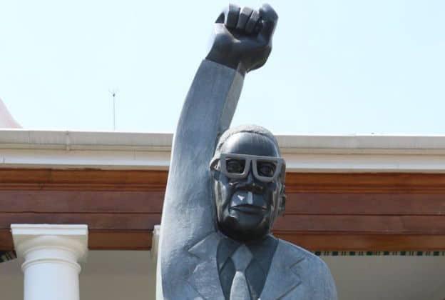 Zimbabwe: Twitter reacts to President Mugabe statue