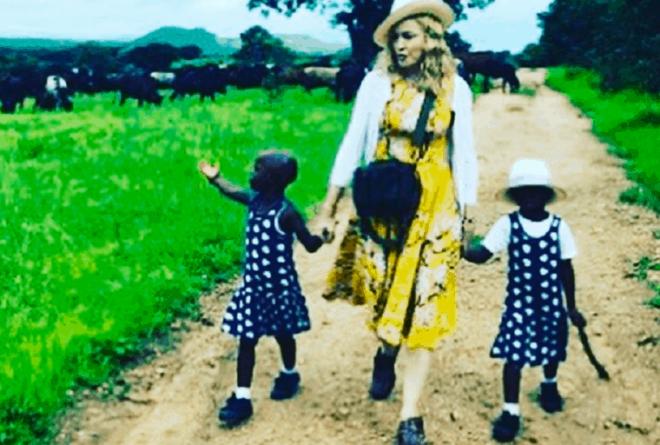 Malawi: U.S. pop-star Madonna adopts twin orphan girls