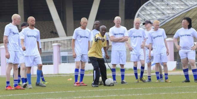 Everton FC meets with Albino United FC in training and interactive session