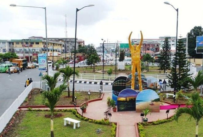 Fela Kuti statue unveiled in Lagos to honour his legacy