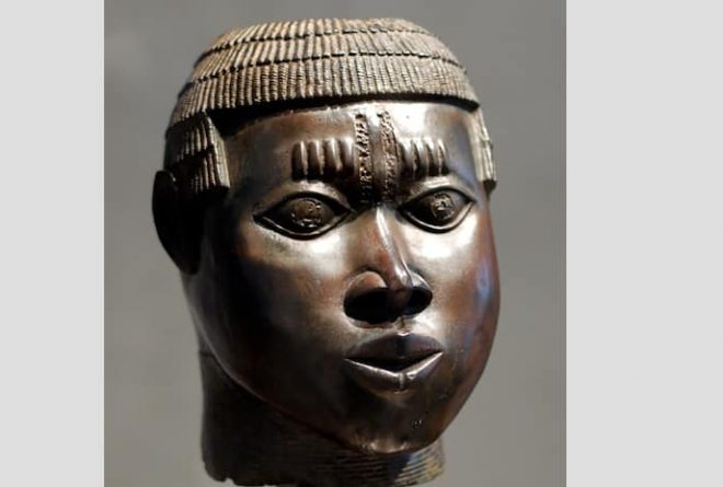 "British Museum wants to loan back to Nigeria ""stolen"" bronze statues"