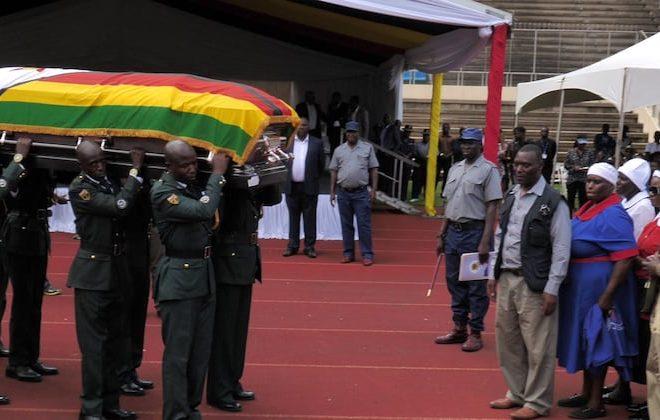 """Pictures: Oliver """"Tuku"""" Mtukudzi – Samanyanga's last journey home"""